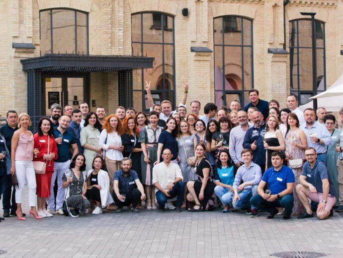 Обмін ідеями, пошук партнерів та невимушене спілкування. Аспен Інститут Київ провів перший Wine & Talk